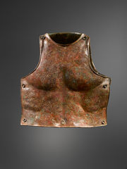 Bronze anatomical cuirass, south Italic panoply